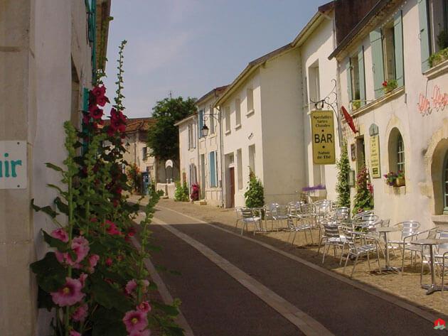 Mornac-sur-Seudre-rue-terra